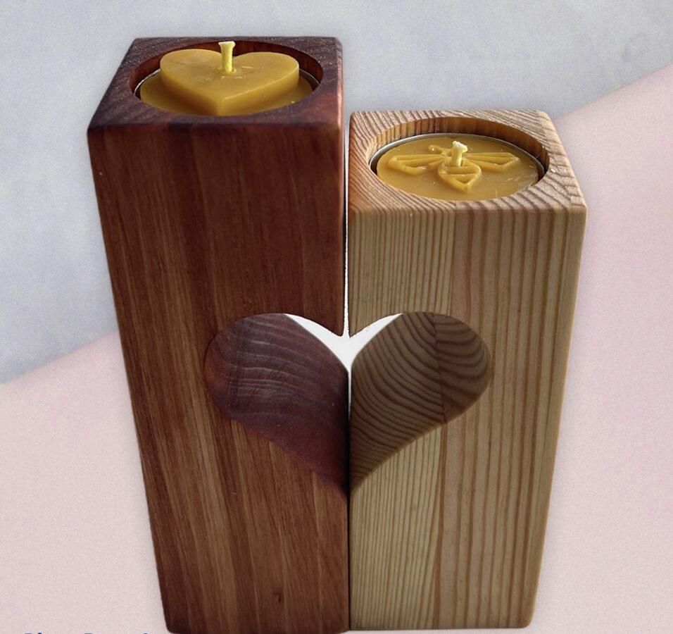 Koka svečturis ar tējas svecēm (sirsniņas forma)