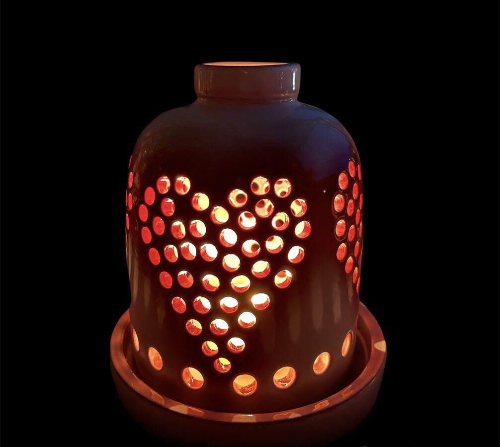 Keramikas trauks Nr.7 + 4 smaržīgās tējas sveces vai bišu vaska tējas sveces