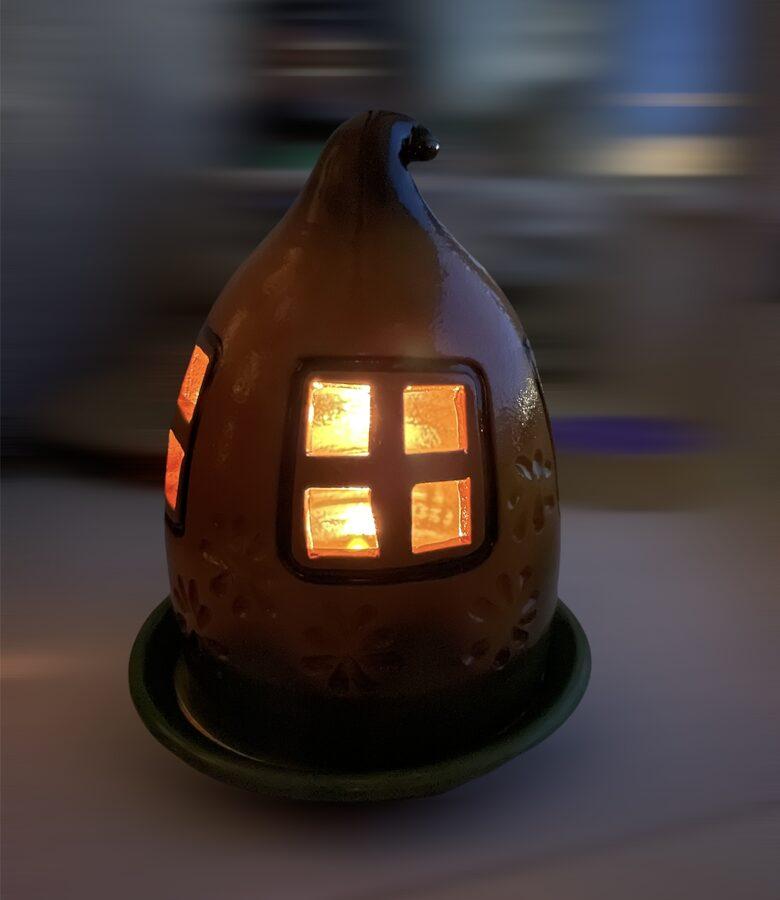 Keramikas trauks Nr.2 + 4 smaržīgās tējas sveces vai bišu vaska tējas sveces