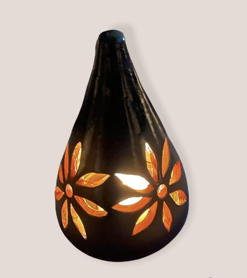 Keramikas trauks Nr.8 + 4 smaržīgās tējas svecēm vai bišu vaska tējas sveces