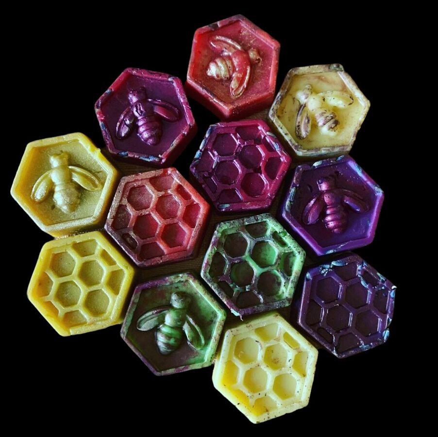 Kausējamie bišu vaska gabaliņi ar dabīgām aromātiskajām eļļām 2021/2022